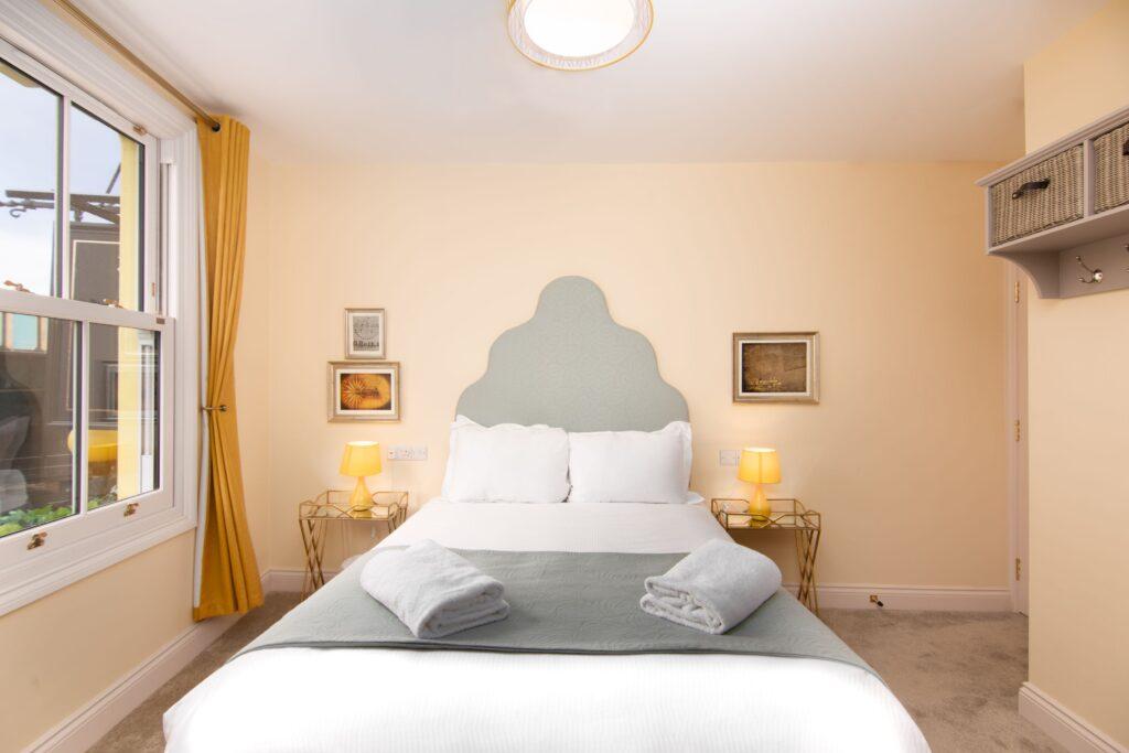 Room 3 - ii - W SM